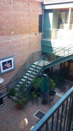 Conroe Art LGallery: Courtyard