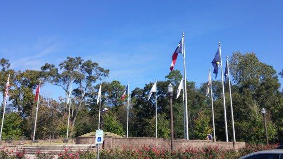 Conroe, TX: Flags