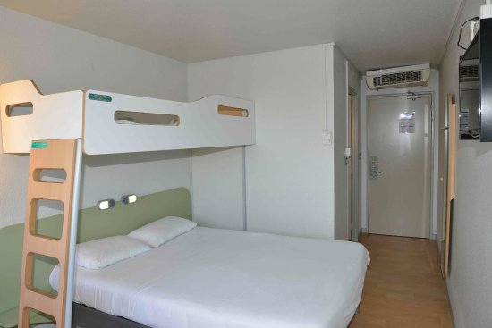 Chambre Trio Avec Grand Lit King Size Picture Of Ibis Budget