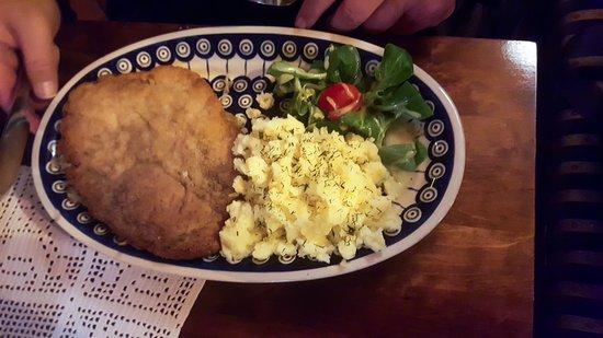 Bogatynia, Polonia: Schabowy jest smaczny i w rozmiarze XL :)