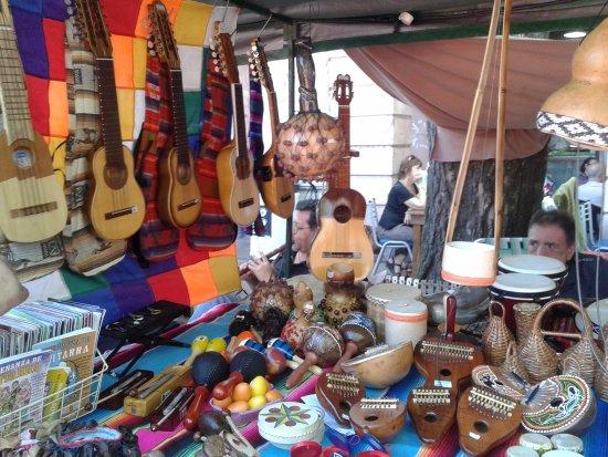 Feria de Mataderos- Instrumentos Artesanales- Bs.As. 2017.