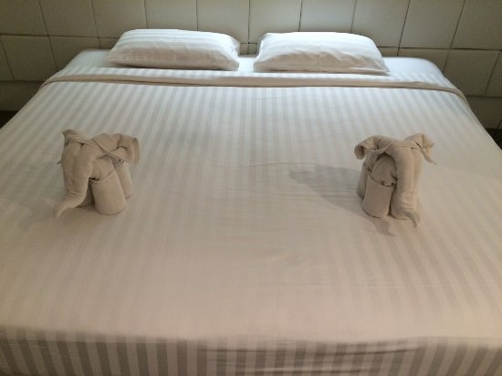 The Gallery Hotel: 微笑んだベッドメイク