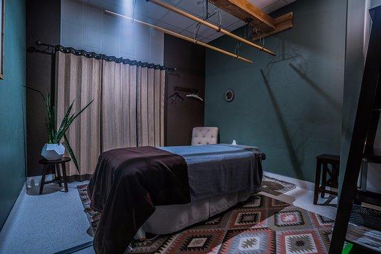 Norman, OK: Ashiatsu and massage rooms