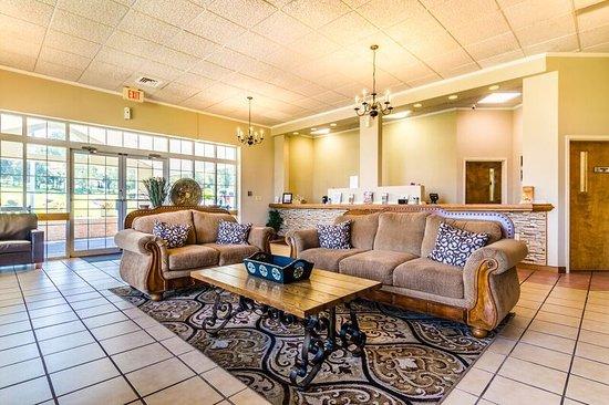 Hershey Farm Inn: Lobby Seating/Registration