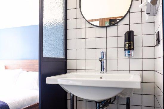 Hatters Hilton Chambers: En-suite bathroom
