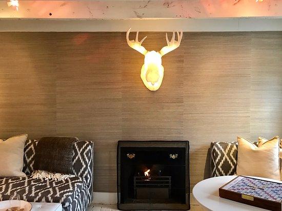 Washington, VA: Living room