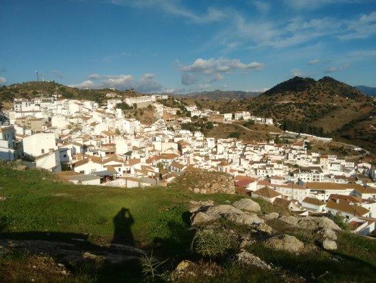 Encantadores rincones del bello pueblo de Almogía