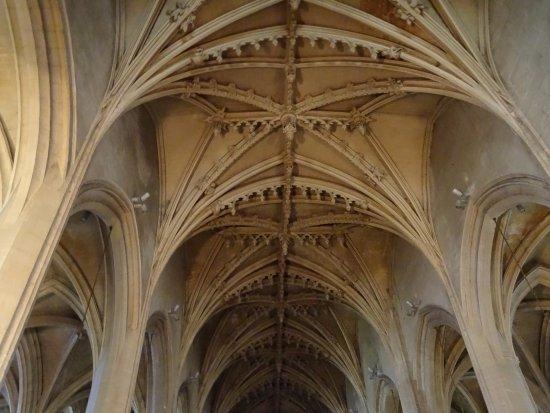 Eglise Notre-Dame: Voûtes à clés pendantes