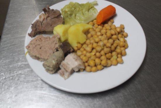 Garriguella, España: Ya llego el invierno. hay que comer la escudella y carn d'olla.