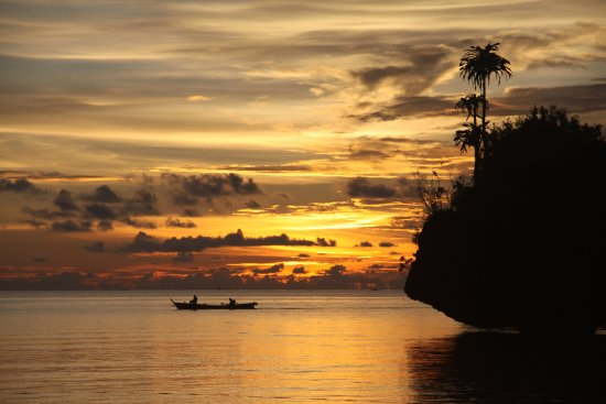 Togian Islands, Ινδονησία: Harmony Bay Resort, Kadidiri Island, Togeans.