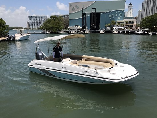 Bal Harbour, FL: One of the new 2017 boats for rent with 150hp Yamaha