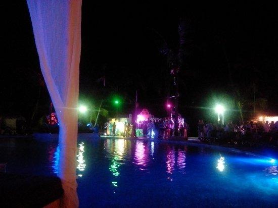 Viva Wyndham Dominicus Beach - An All-Inclusive Resort: IMG_20161206_213256_large.jpg