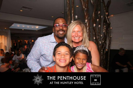 The Penthouse at the Huntley Hotel: They have a free photo booth!