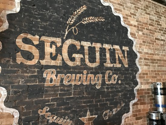 Seguin, Teksas: Logo on the wall inside the Brewery