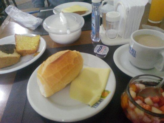Hotel Vale Boa Vista: café da manhã