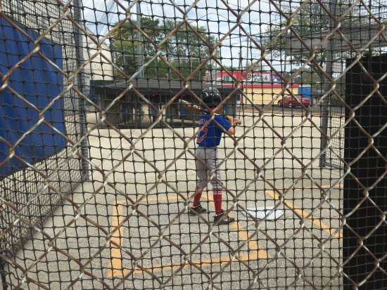 Lincolnwood, IL: Getting in a few swings at the 'ol batting cages.