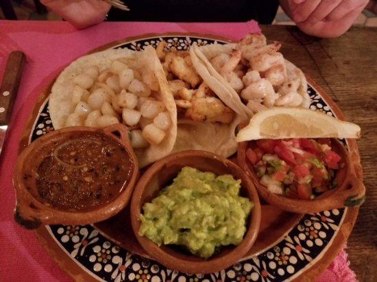 La Golondrina Restaurant: Three Tacos, scallops, lobster & shrimp