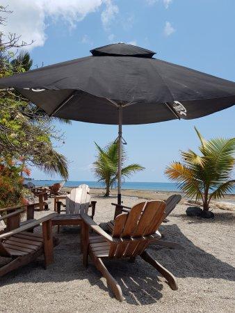 Dzaoudzi, Mayotte: Un déjeuner quasiment les pieds dans l'eau...