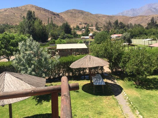 Vicuna, Chili: El Rancho Elquino es un lugar especial dentro de Vicuña. Cancha de tenis, piscina, cabañas y zon