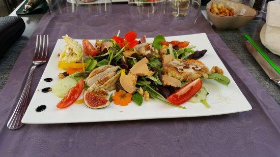 Sospel, Francia: Une entrée variée avec foie gras.