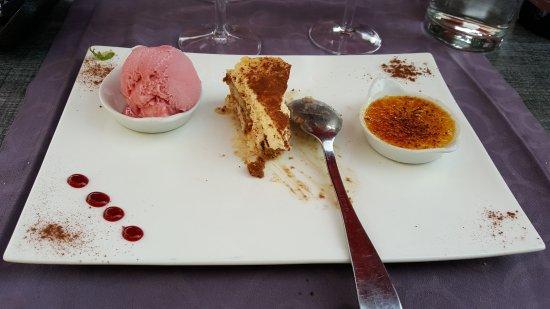 Sospel, Γαλλία: Café gourmand pour le dessert.