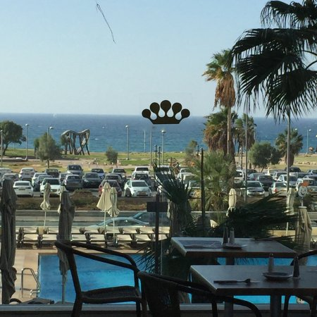 Dan Panorama Tel Aviv: A view from my lunch table- this could be a company promotional photo, but it's not- it's mine!