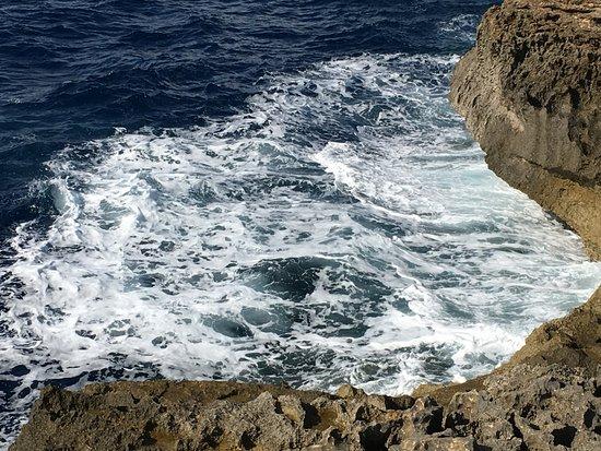 Blue Hole : Die bizarre Küste lädt zum Wandern ein