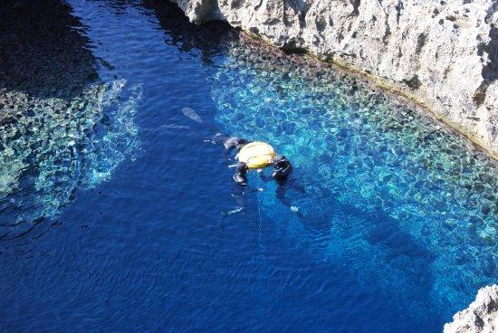 Blue Hole : Taucher und Apnoeisten lieben diesen dive Spot