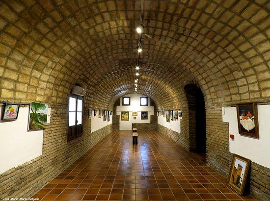 Palma Del Rio, Espanha: Sala permanente de exposiciones abierta en la que fuera una caballeriza