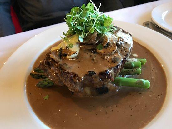 Lakeland House Restaurant : photo1.jpg