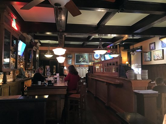 Uniontown, PA: Bar / Dining area