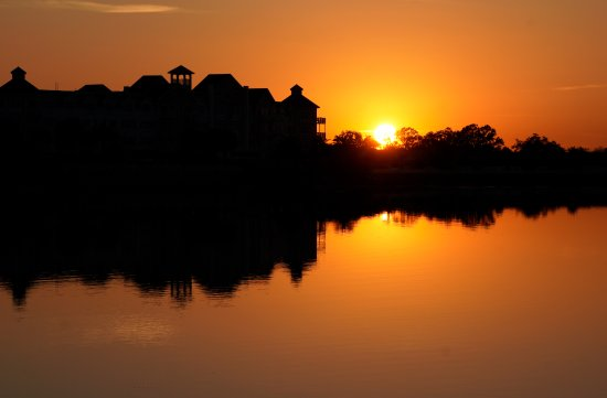 The Villages, FL: Sunset at Lake Sumter