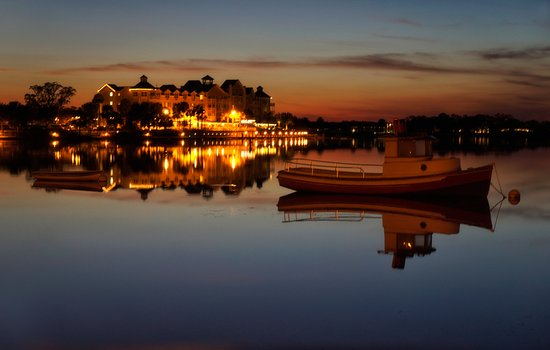 The Villages, Floride : Lake Sumter at night