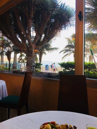 Reina Isabel Hotel ภาพถ่าย