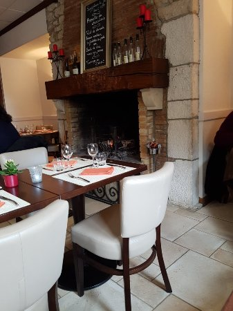 Hotel restaurant du commerce logis bar sur seine for Restaurant bar sur aube