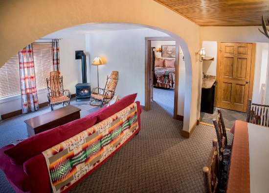 Finger Lakes Lodging: Finger Lakes Suite