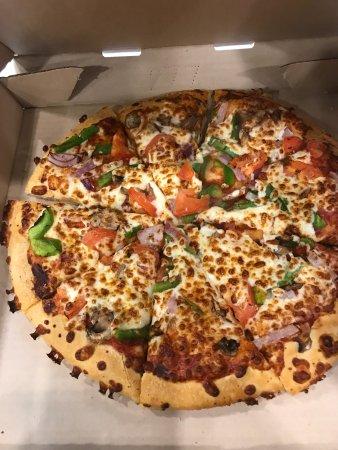 Pizza Hut Mississauga 6415 Erin Mills Pky Photos Restaurant Reviews Order Online Food Delivery Tripadvisor