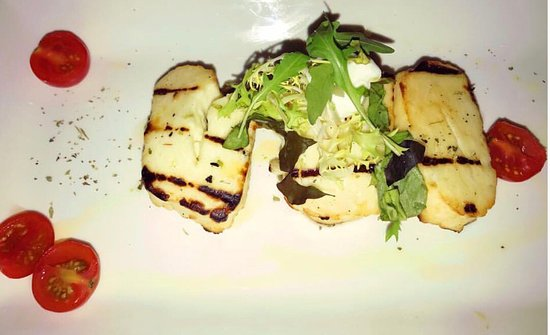 Bexleyheath, UK: Halloumi - starter.