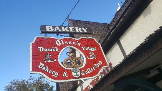 Olsen's Danish Village Bakery: Even offers a 1/2 price selection.