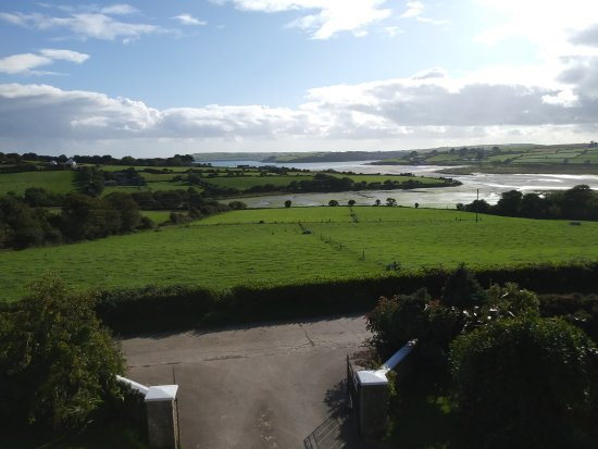 Kilbrittain, Irlanda: View from room at Seafield of Courtmacherry Bay