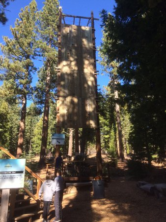 Tahoe City, Kaliforniya: harnesses for monkey courses (they don't climb this!)