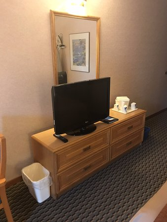 Bridgewater, Canadá: TV and Dresser