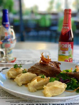 Zalaegerszeg, Ungarn: Libacomb kókusztejes citromos újburgonya pürével