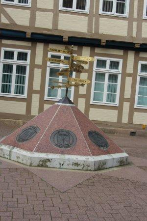 """Skulptur """"Patenstädte von Celle"""""""