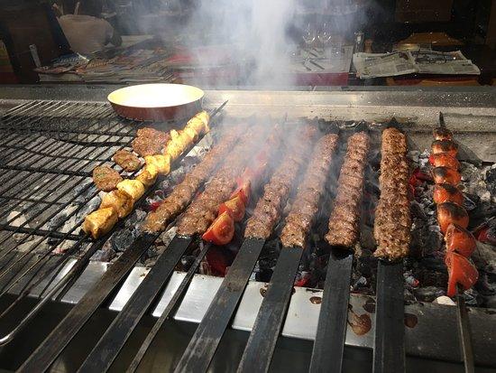 Baklava Fait Maison Salades Fruits Fait Maison Dorade Royal Frais - Photo barbecue fait maison