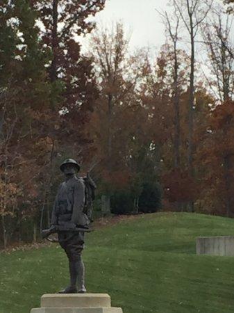 Triangle, VA: Outdoor statue