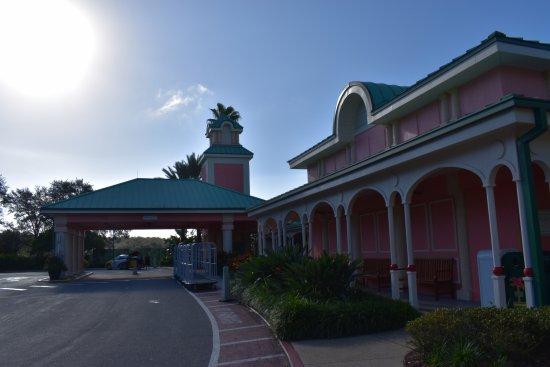 Disney's Caribbean Beach Resort : Main Front Desk Building