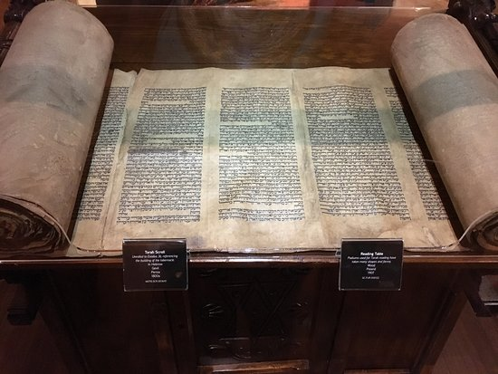 Williamstown, KY: Torah rescued from the Holocaust