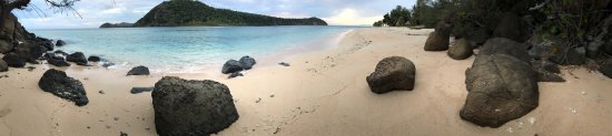 Naukacuvu Island, ฟิจิ: Many faces of paradise. Relax. Eat. Beach. And have some super sweet, sweet dreams.