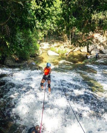 Hopkins, Belize: Bocawina waterfall rappel